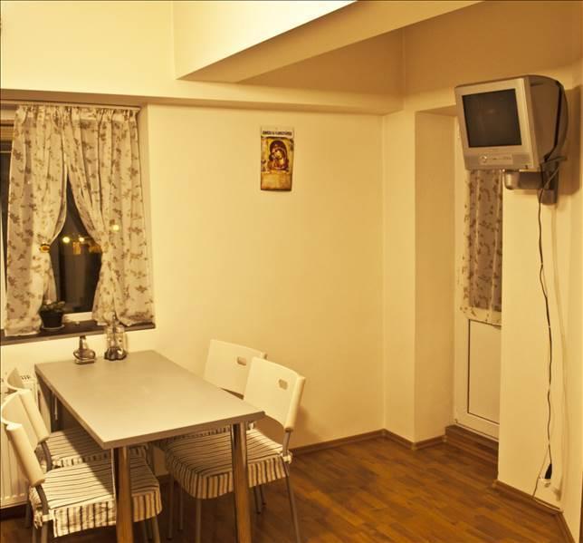 Royal Imobiliare   Vanzare Apartament zona Ultracentrala