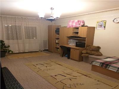 Royal Imobiliare - vanzari 3 camere zona 9 Mai