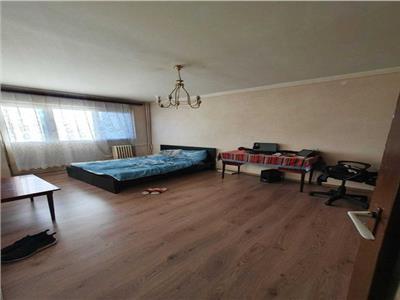 Royal Imobiliare - apartament 3 camere de vanzare  zona Republicii