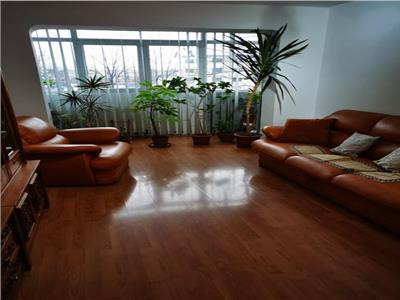 Royal Imobiliare - vanzari apartamente 4 camere zona Malu Rosu