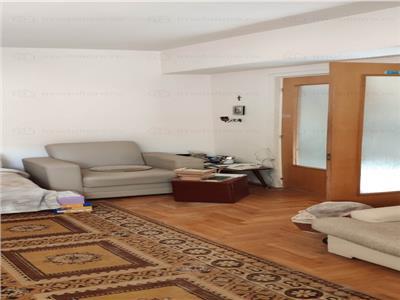 Royal Imobiliare - Vanzare Apartament 3 camere zona Ultracentrala