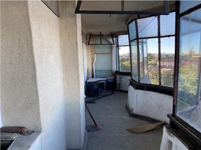 Royal Imobiliare   Vanzare Apartament zona Democratiei