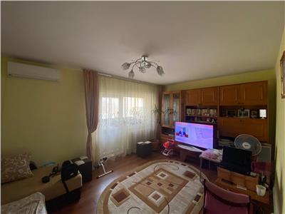 Royal Imobiliare - Vanzari Apartamente 3 camere zona Mihai Bravu