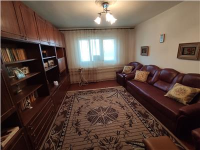 Royal Imobiliare - Vanzare Apartament zona Vest