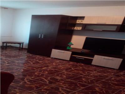 Royal Imobiliare - Inchiriere apartament zona Malu Rosu