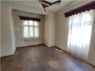 Royal Imobiliare - Vanzare Vila zona Bulevardul Castanilor
