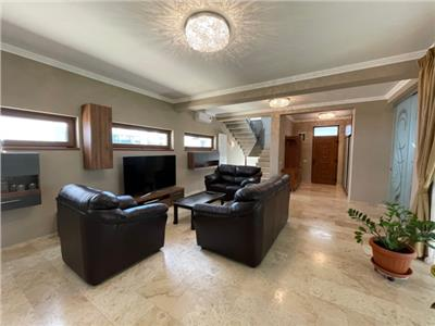 Royal Imobiliare - Vanzare Vila de lux zona 9 Mai