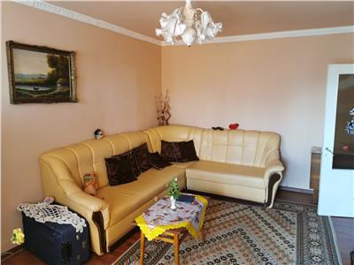 Royal Imobiliare - Vanzare apartament 2 camere zona Malu Rosu