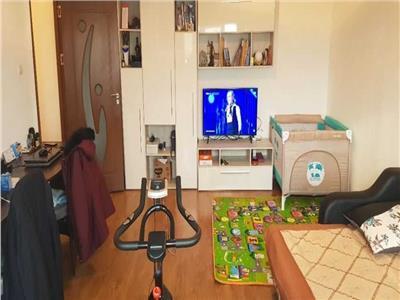 Royal Imobiliare - Vanzare Apartament zona Mihai Bravu