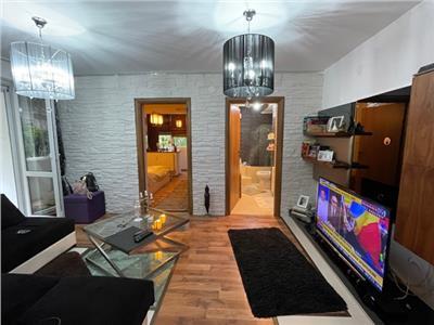 Royal Imobiliare - Vanzare Apartament zona Democratiei