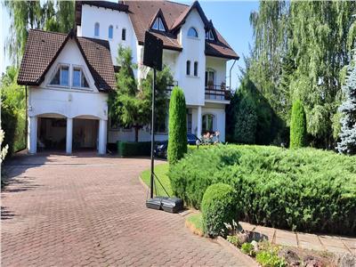 Royal Imobiliare -vanzare vila/ casa de vacanta zona BREAZA