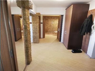Royal Imobiliare   Vanzare Apartament zona B dul Republicii