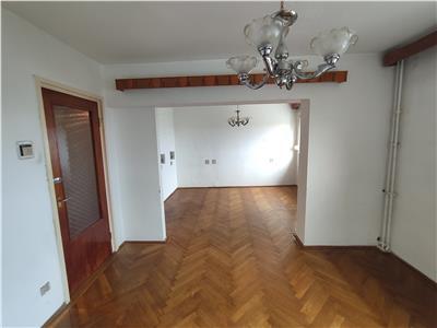 Royal Imobiliare - Vanzare Apartament zona Sud