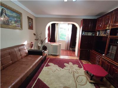 Royal Imobiliare - Vanzare Apartament zona Andrei Muresanu